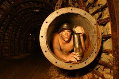 La mine témoin à Alès constitue un héritage pour le souvenir du passé minier en Cévennes Ale, France, Wood Watch, Souvenir, The Visitors, Tourism, Wooden Clock, Ales, French Resources