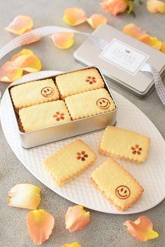 「焼きごてスタンプ★バターサンドクッキー(桜&キャラメル)」hitomi | お菓子・パンのレシピや作り方【cotta*コッタ】