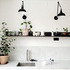 new kitchen ideas Kitchen Nook, Diy Kitchen, Kitchen Dining, Kitchen Decor, Home Interior, Interior Design Kitchen, Scandinavian Kitchen, Küchen Design, Home Decor Accessories