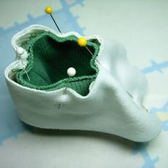 Lil' Baby Thangs Baby Sewing Patterns, Knit Fabric and Notions: Baby Bootie Patt. Lil' Baby Thangs Baby Sewing Patterns, Knit Fabric and Notions: Baby Bootie Pattern 5 (Sweetgrass Easy Baby Blanket, Baby Blankets, Baby Shoes Pattern, Baby Sewing Projects, Baby Boots, Doll Shoes, Crochet Blanket Patterns, Sewing Patterns Free, Kind Mode