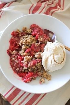Paleo Raspberry Crumble   a grain-free, naturally sweetened healthy dessert made with hazelnut meal and sweetened with pure maple syrup. Eat it for breakfast!   theroastedroot.net