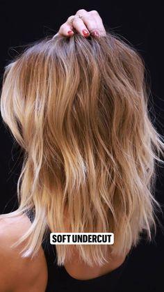 Blonde Hair Looks, Brownish Blonde Hair Color, Blonde Hair For Fall, Highlighted Blonde Hair, Edgy Blonde Hair, Dark Hair, Blonde Hair With Brown Roots, Dark Blonde Hair With Highlights, Carmel Blonde Hair