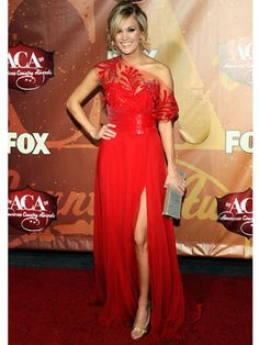 Carrie Underwood Red Carpet Style - Fashion Photos of Carrie Underwood - Marie Claire