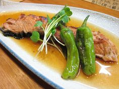 'Tokishake-yakizuke' is a salmon is grilled, and dips it in broth.    It feels refreshed and is delicious.