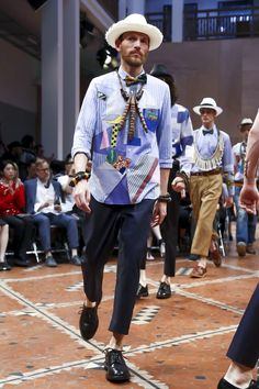 A look from the Junya Watanabe Man Spring 2016 Menswear collection. Older Mens Fashion, Mens Fashion Week, Mode Wax, Junya Watanabe, Shirt Skirt, Comme Des Garcons, Spring Summer 2016, Japanese Fashion, Live Fashion