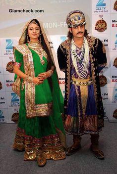 My fav show Jodhaa Akbar, Rajat Tokas, Feeling Loved Quotes, Pearl Necklace Designs, Disney Princess Frozen, Indian Movies, Bollywood, Handsome, Sari