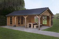 pergola met blokhut | Afb. 8 Een tuinhuis met eiken balken is een sier in je tuin