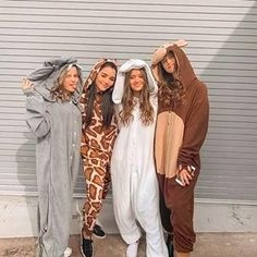 Try these DIY Group Halloween Costumes for your Halloween party. These DIY Halloween Costumes are easy to make and perfect for your gang in college or work Cute Group Halloween Costumes, Group Costumes, Halloween Outfits, Halloween Ideas, Friend Costumes, Trendy Halloween, Halloween Parties, Halloween 2020, Teen Sleepover