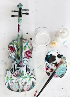 violin art for charity - michelle allen - Violin Painting, Violin Art, Violin Music, Cellos, Ukulele, Violin Instrument, Cool Violins, Classical Music, Music Stuff