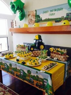 boy birthday parties John Deere birthday tablescape with the theme center stage. See more John Deere birthday party ideas at Tractor Birthday, Farm Birthday, Boy First Birthday, 3rd Birthday Parties, Water Birthday, Birthday Crafts, Third Birthday, Themed Parties, Birthday Decorations