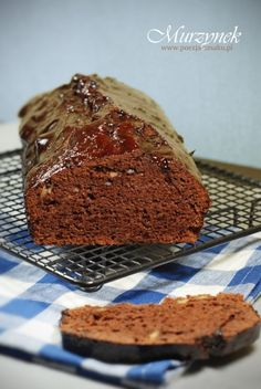 Murzynek był kiedyś bardzo popularnym ciastem. Dziś rzadziej go spotykam, a to jedno z najprostszych ciast, które udaje się zawsze!