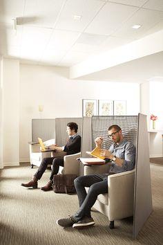 Steelcase Wrokspring at Marriott distance confortable de cloisonnement * ,ne pas être étouffé.. ne pas prendre trop de place .. * les affaires disposée en suspentes...