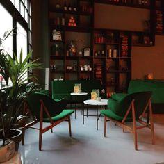Open Anne & Max, The Hague, Frederik Hendriklaan 166 Interior Styling, Interior Design, The Hague, Hospitality, Cosy, Corner Desk, Bookcase, Palm, Velvet