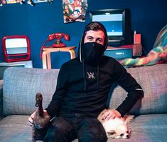 this is gopro Alan Walker, Nothing But The Beat, Walker Join, Smile With Your Eyes, Avicii, Record Producer, Cute Guys, Demon Wolf, Gopro