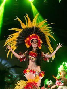 Dançarina se apresenta na Festa do Guaraná, em Maués. #HumansOfMaues #Amazon #Amazonia #Guarana