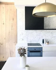 Champagne Ora in recent project by the ever talented @heartlydesignstudio #orapendant #oralight #HEARTLYtoorakgardens #HEARTLYdesigned #kitchen #design #renovation #interiors #interiordesign #Adelaide