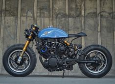 Nice cafe racer with decent looking wheels. Virago Cafe Racer, Yamaha Cafe Racer, Cafe Bike, Cafe Racer Motorcycle, Moto Bike, Scrambler, Modern Cafe Racer, Cafe Racer Style, Custom Cafe Racer