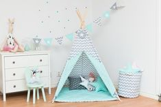 A wonderful child's room with teepee Fresh Mint !