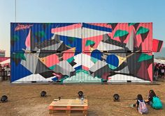 Between canvas, wood paintings and street art, here are the creations ofThe Low Bros, a German duo createdby the two brothers Christoph and Florin Schmidt,