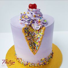 Ice cream sprinkle geode cake - Pastry Addict - Ice cream sprinkle geode cake Ice cream cone cake with geode design. Call or email us to design your dream cake today! Ice Cream Cone Cake, Ice Cream Party, Geode Cake, Basic Cake, Cakes Today, Dream Cake, Just Cakes, Chocolate Buttercream, Specialty Cakes