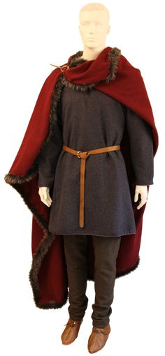 Museum quality reproduction of Iron Age costume, male. Textile, metal and leather by Ø. Costume Viking, Viking Garb, Viking Reenactment, Viking Men, Viking Dress, Renaissance Costume, Medieval Costume, Norse Clothing, Medieval Clothing