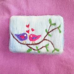 Felted Soap, Felt Brooch, Felt Art, Felt Animals, Soap Making, Needle Felting, Painted Rocks, Wool Felt, Coin Purse
