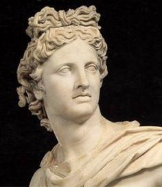 dit is de god Apollo hij is de god van de geneeskunigheid en de muziek