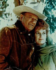 John Wayne and Maureen O'Hara in their 1971 movie Big Jake Old Movies, Great Movies, Awesome Movies, Vintage Hollywood, Classic Hollywood, Katharine Ross, John Wayne Movies, Maureen O'hara, Actor John
