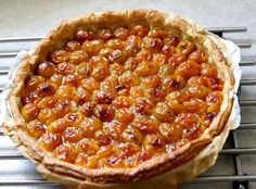 Tarte feuilletée aux mirabelles Traditional French Recipes, French Food, Beignets, Biscuits, Macaroni And Cheese, Bakery, Food And Drink, Pie, Yummy Food