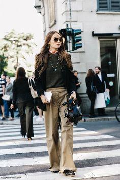 MFW-Milan_Fashion_Week-Spring_Summer_2016-Street_Style-Say_Cheese-Carlotta_Oddi-Gucci_Loafers-Khaki-2