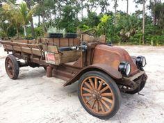 1916-International-Harvester