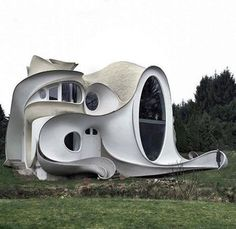 Wow, check out this piece of architecture.