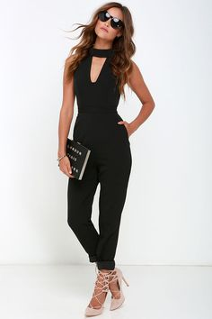A stunning outfit all by itself, the Finders Keepers Divine Eternal Black Jumpsuit is ready for a fashion takeover! A folded mock neck sits above a cool, angular cutout. 30 Outfits, Classy Outfits, Summer Outfits, Fashion Outfits, Fashion Ideas, Schwarzer Overall Outfit, Black Jumpsuit Outfit, Moda Chic, Jumpsuits For Women