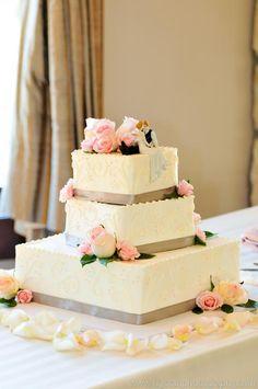 Denver Wedding Bakery   #Weddings   #WeddingCake   3 Tier #Cake   gray   pink   roses   Denver Photographer   Trystan Photography, Inc.   Cielo at Castle Pines   Azucar Bakery