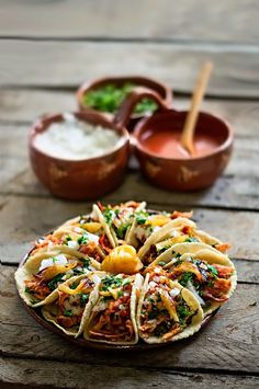 Tacos al Pastor. Tacos al pastor: freshly made corn tortillas filled with marinated roast. (In Spanish). Comida Latina, I Love Food, Good Food, Yummy Food, Yummy Yummy, Mexican Dishes, Mexican Food Recipes, Ethnic Recipes, Food For Thought