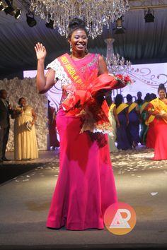 """Daniela Tchicongo é a mulher Plus Size mais linda de Angola """"Miss Angola Plus Size"""" https://angorussia.com/cultura/daniela-tchicongo-mulher-plus-size-linda-angola-miss-angola-plus-size/"""