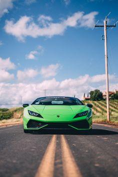 The Lamborghini Huracan was debuted at the 2014 Geneva Motor Show and went into production in the same year. The car Lamborghini's replacement to the Gallardo. Lamborghini Veneno, Sports Cars Lamborghini, Ferrari, Audi, Automobile, F12 Berlinetta, Buggy, Car Wheels, Car Photos
