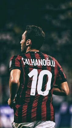 Hakan Calhanoglu - My Wallpaper Football Quotes, Football Is Life, World Football, Milan Wallpaper, Milan Football, Sports Wallpapers, Celebrity Wallpapers, Ac Milan, Best Player