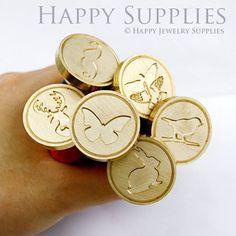 Design Your Own Gold Plated Wax Seal Stamp (WS001) door HappyJewelrySupplies op Etsy https://www.etsy.com/nl/listing/154316746/design-your-own-gold-plated-wax-seal