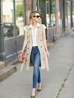 how to style a white shirt trench vest Sleeveless Blazer Outfit, White Vest Outfit, Sleeveless Trench Coat, Blazer Outfits, Sleeveless Jacket, Business Casual Outfits, Classy Outfits, Fall Outfits, Fashion Outfits