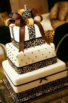 A beautiful leopard print wedding cake #leopardwedding