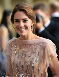 The Duchess of Cambridge'smake-up artist Arabella Preston is behind Votary, a beauty brand that sells facial oils made from completely natural ingredients