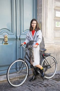 Belle on Wheels: 10 Parisian Girls We Swear We Found on the Street