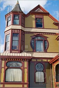 Victorian Lace What is Art ? To answer the question of what is art history, Victorian Homes Exterior, Dream House Exterior, Victorian Architecture, Historical Architecture, House Exteriors, Amazing Architecture, Victorian Windows, Victorian Lace, Victorian Decor