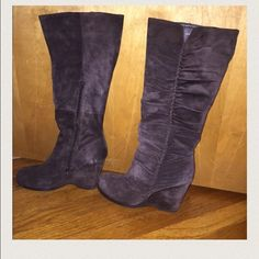 Nine West Brown Suede Wedge Boots 9.5 Super comfy brown suede wedge heel boots from Nine West. Great fit, excellent condition, nice detail on the outer boot, zipper on the inside and definitely an admirable look for and fashionista. Fall and winter are coming!I ACCEPT OFFERS. 😘🔥🔥🔥👠👌🏽 Great deal. Nine West Shoes Heeled Boots