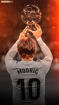 Real Madrid Team, Real Madrid Football Club, Real Madrid Soccer, Football And Basketball, Football Players, Cristiano Ronaldo Junior, Cristiano Ronaldo 7, Luka Modric Real Madrid, Real Madrid Wallpapers