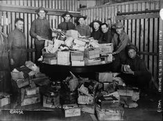 Christmas boxes for U.S. soldiers in December 1917.