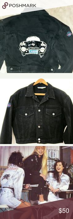 L.A. GEAR 80's vintage black bike crop jean jacket L.A.GEAR 80's vintage black bike crop sequin car ,with sequined L.A.GEAR on bak,,L.A.gear logo patch on right upper arm near shoulder, L.A.GEAR brass buttons with clear stone logo,Cropped button up,two front pockets with same buttons,the beads are lifted up on tires,good condition, no stains,Michael Jackson was advertised/ photographed with L.A.GEAR jackets.Paula Abdul sponsored and wore them,wear with crop top and high wanted mini and or…