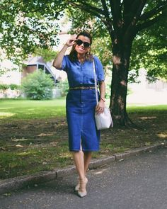 How to style denim on denim | Photo by Carelia (@myevolvingstyle) | For more style inspiration visit 40plusstyle.com