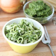 Roasted Zucchini Sauce from Living Well Kitchen (would take away garlic/onions. Zucchini Sauce, Roast Zucchini, How To Cook Zucchini, Zucchini Lasagna, Zucchini Pesto, Zuchinni Recipes, Vegan Pesto, Skinny Recipes, Healthy Recipes